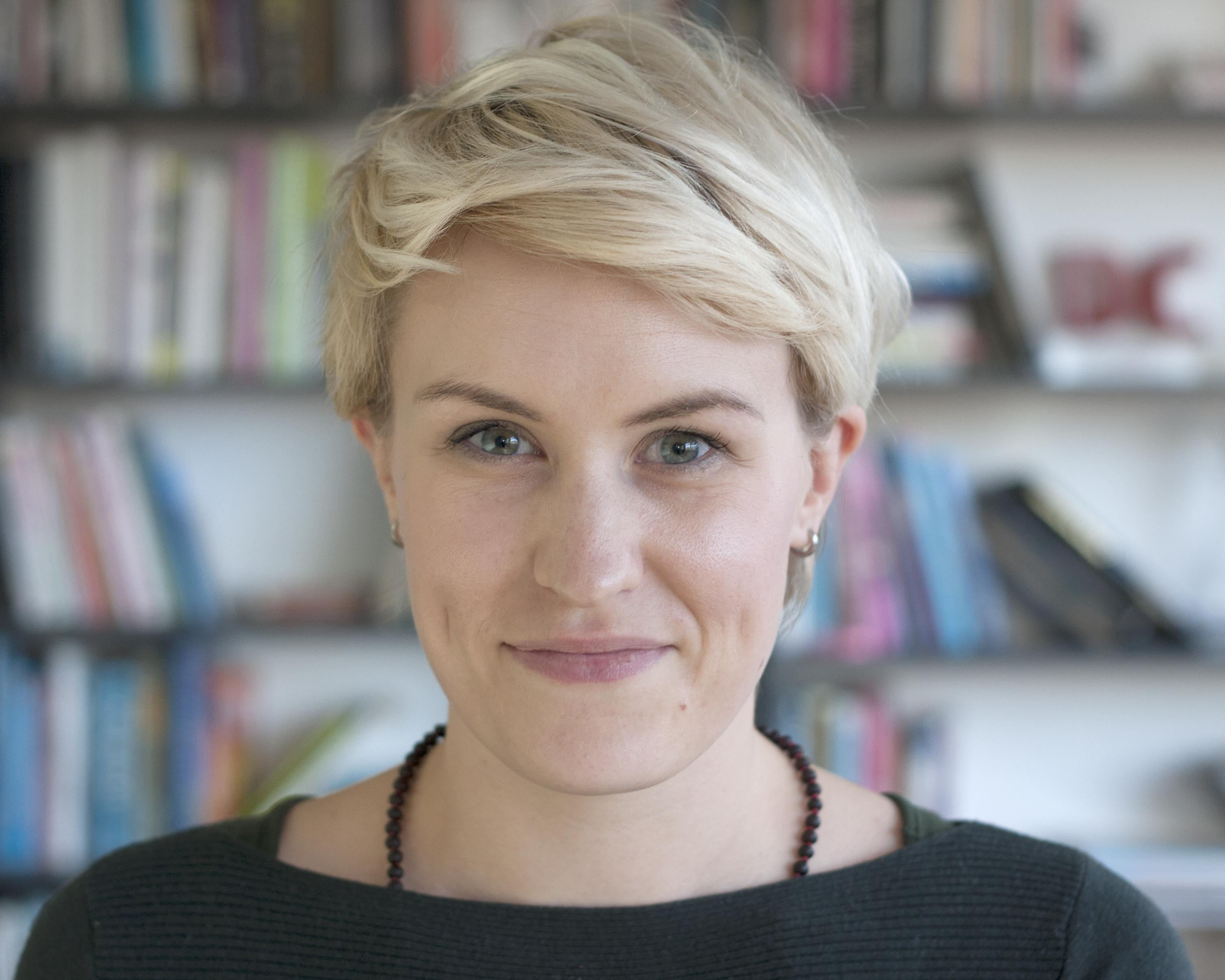 Julia Fox – Senior Writer & Workshop Leader